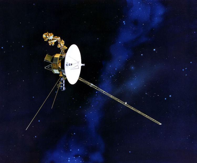 Regular voyager spacecraft